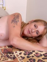 Milf slut with big boobs goes dirty while at work